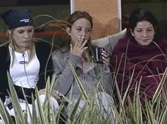 Gran Hermano 2 Argentina. Complot. Yazmín Schmidt, Magaly Rodríguez, Carolina Chiapetta.